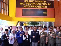 Hadiri HUT Ke-1 MPP Pekanbaru, Menteri Tjahjo Kumolo Resmikan Kantor Baru Disdukcapil Pekanbaru