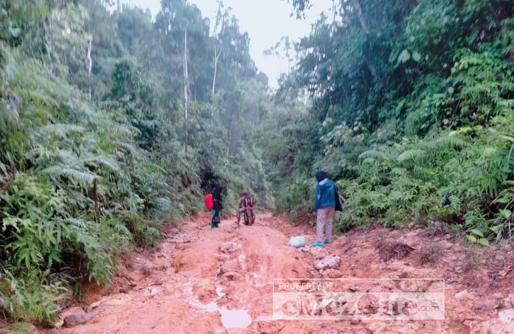Jalan Lintas Taliabu, Kecamatan Taliabu Utara, Provinsi Maluku Utara. (Foto:Ode/cMczone.com