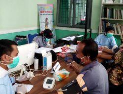 Kasubsektor Taman Rajo IPDA. Yoga Prawira Mukti. S. TrK. Monitoring Vaksinasi Masal DI Puskesmas Kemingking