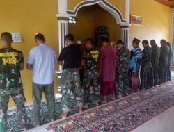 Dansatgas Tunaikan Ibadah Zuhur Di Masjid At Taqwa