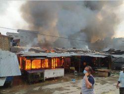 Pusat Pasar Di Perbaungan Terbakar