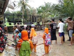 Diduga Akibat Korsleting Listrik, Rumah Ramoini Ludes Terbakar Di Kelurahan Mampun