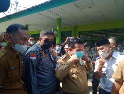 Kunjungan Kerja Gubernur Jambi H.Alharis Dalam Meninjau Pelaksanaan Vaksinasi Di Sejumlah Sekolah Di Kabupaten Merangin